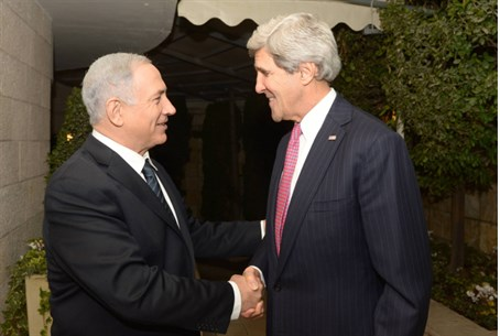 Binyamin Netanyahu and John Kerry (file)