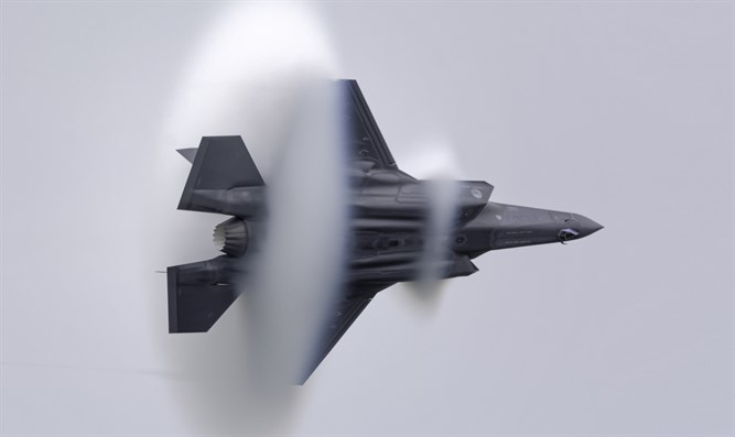 F-35 breaking sound barrier