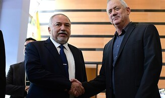 Avigdor Liberman to Benny Gantz: 'Netanyahu will not sign agreement with you'