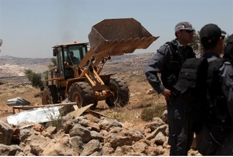 Demolition at Ramat Migron