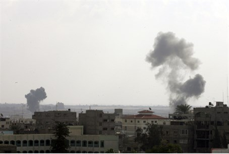 Explosions in Gaza (file)