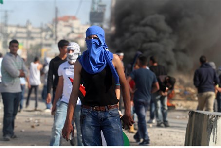 Arab rioters in Jerusalem (illustration)