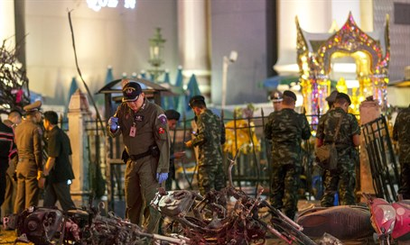 Thai police investigate site of Bangkok bombing (file)