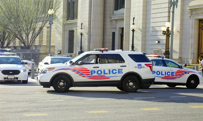 Police vehicles in Washington DC (illustration)