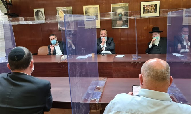 Haredi party heads with Minister Edelstein